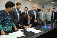 Câmara de Ji-Paraná dá posse a Beto Wosniach