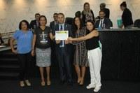 Câmara de Ji-Paraná homenageia membros do CRESS