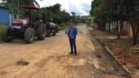 Edivaldo Gomes acompanha recuperação da rua Rita Rios