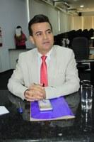 Edivaldo Gomes diz que obras do Morar Melhor continuam indefinidas