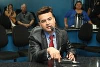 Edivaldo Gomes pede por exames gratuitos de ressonância