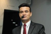 Edivaldo Gomes renuncia ao cargo de 1º secretário da CMJP