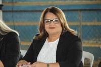 Ida Fernandes orienta idosos a atualizarem cadastros na Semusa