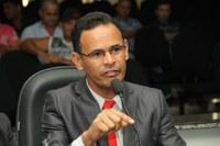 Joziel Carlos de Brito afirma que recursos do deputado Marcos Rogério ultrapassam R$ 30 milhões
