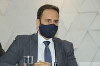 Presidente Affonso Cândido assina decreto para instalação de Comissão de Inquérito