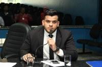 RUA SÃO LUÍS - O vereador Welinton Fonseca